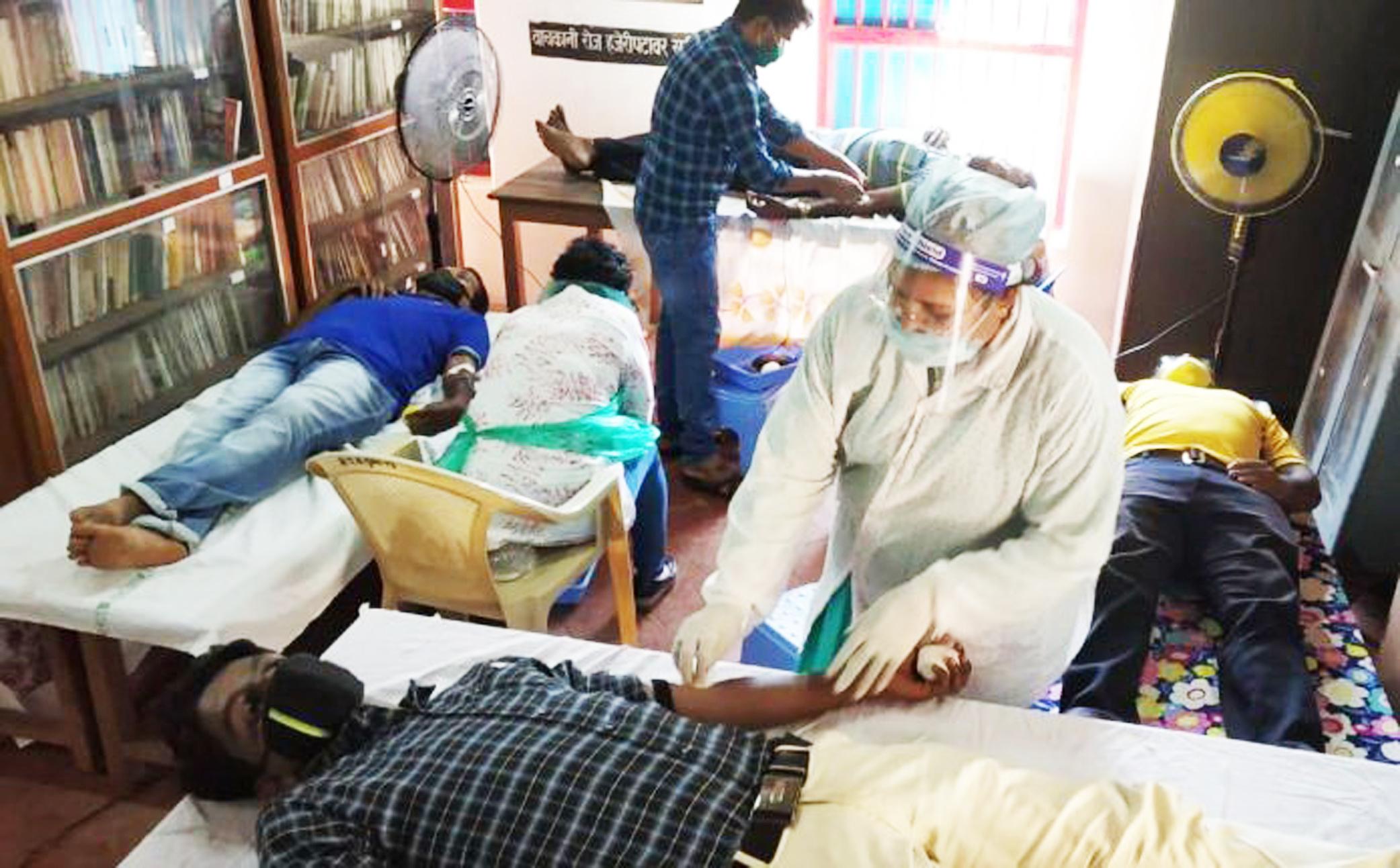 सलग १५व्या रक्तदान शिबिरास ४६ जणांचा प्रतिसाद