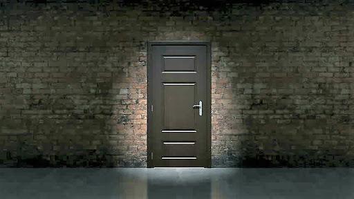 बंद दाराआड...